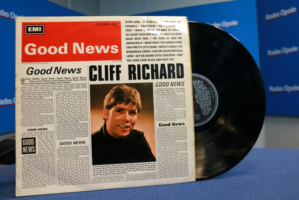 "Okladka płyty - Cliff Richard ""Good News"" [fot. Paula Hołubowicz]"