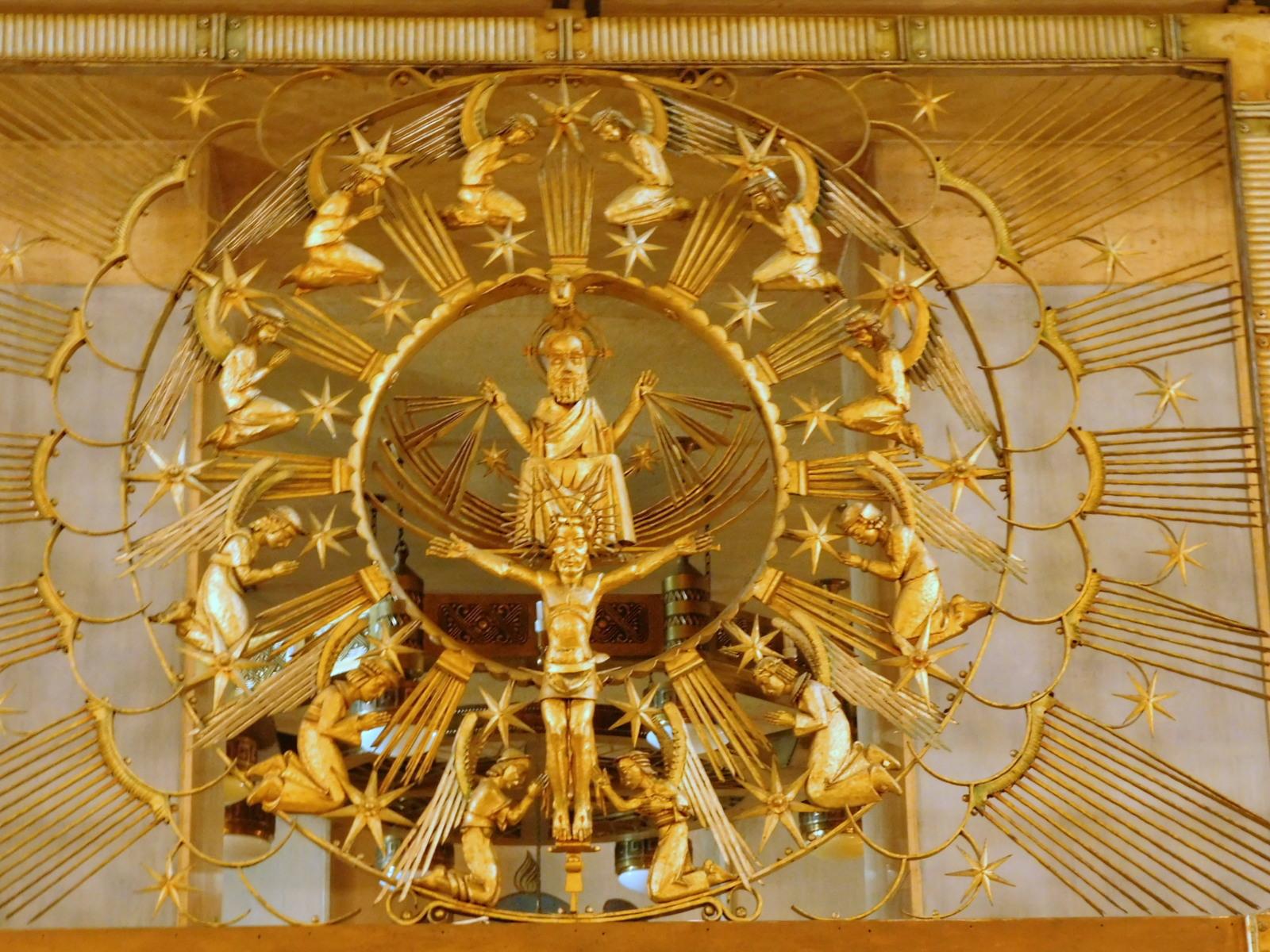 """Anielska """"złota"""" krata w kościele pw. Świętej Rodziny w Branicach [fot. Barbara Tyslik]"""