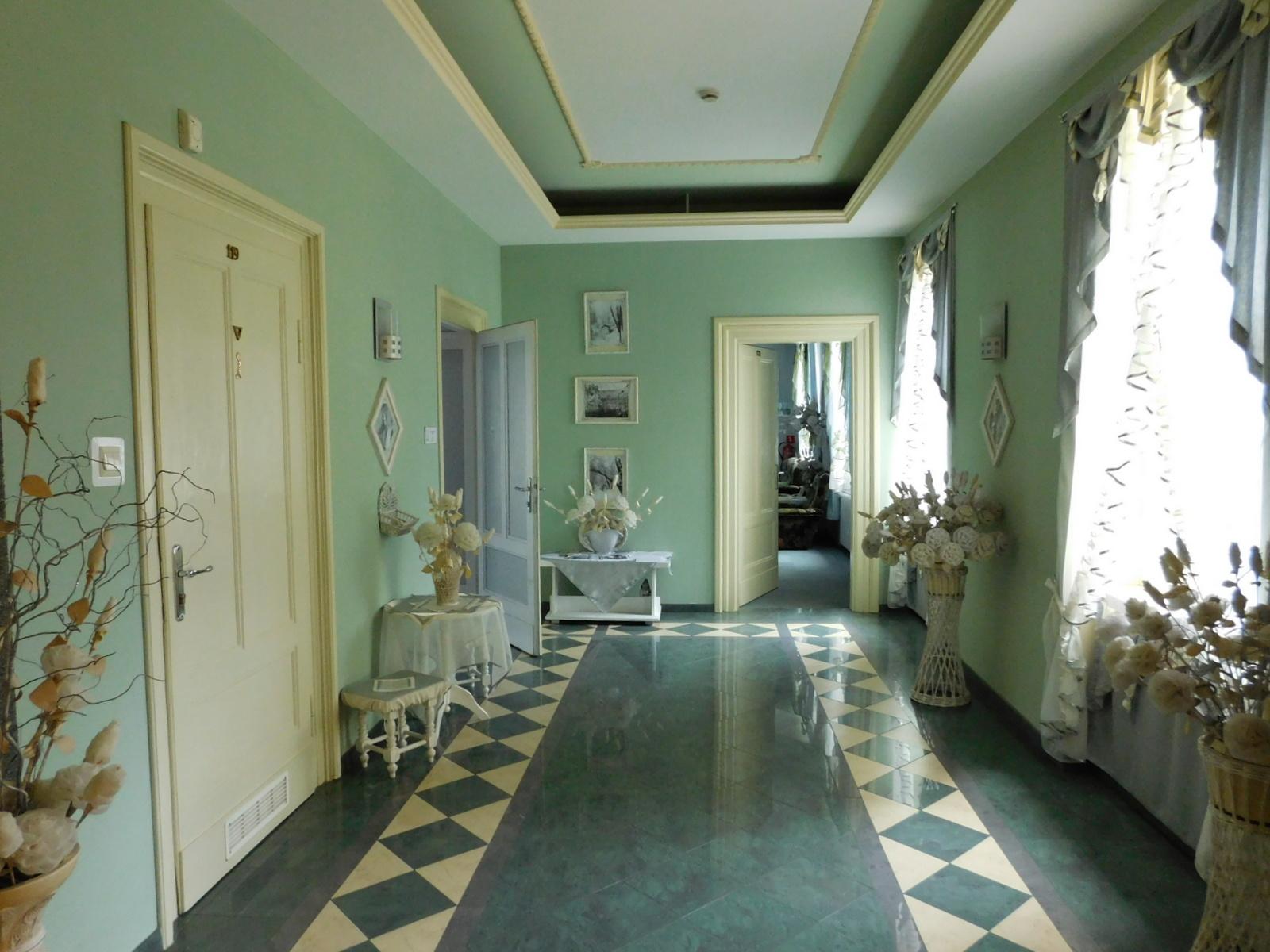 Wnętrze pałacu w Łosiowie [fot. Barbara Tyslik]