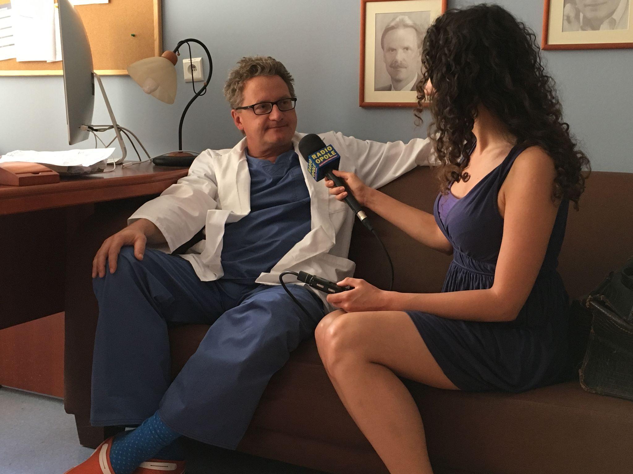 Dr n. med. Dariusz Łątka w rozmowie z Katarzyną Zawadzką [fot. Małgorzata Lis-Skupińska]