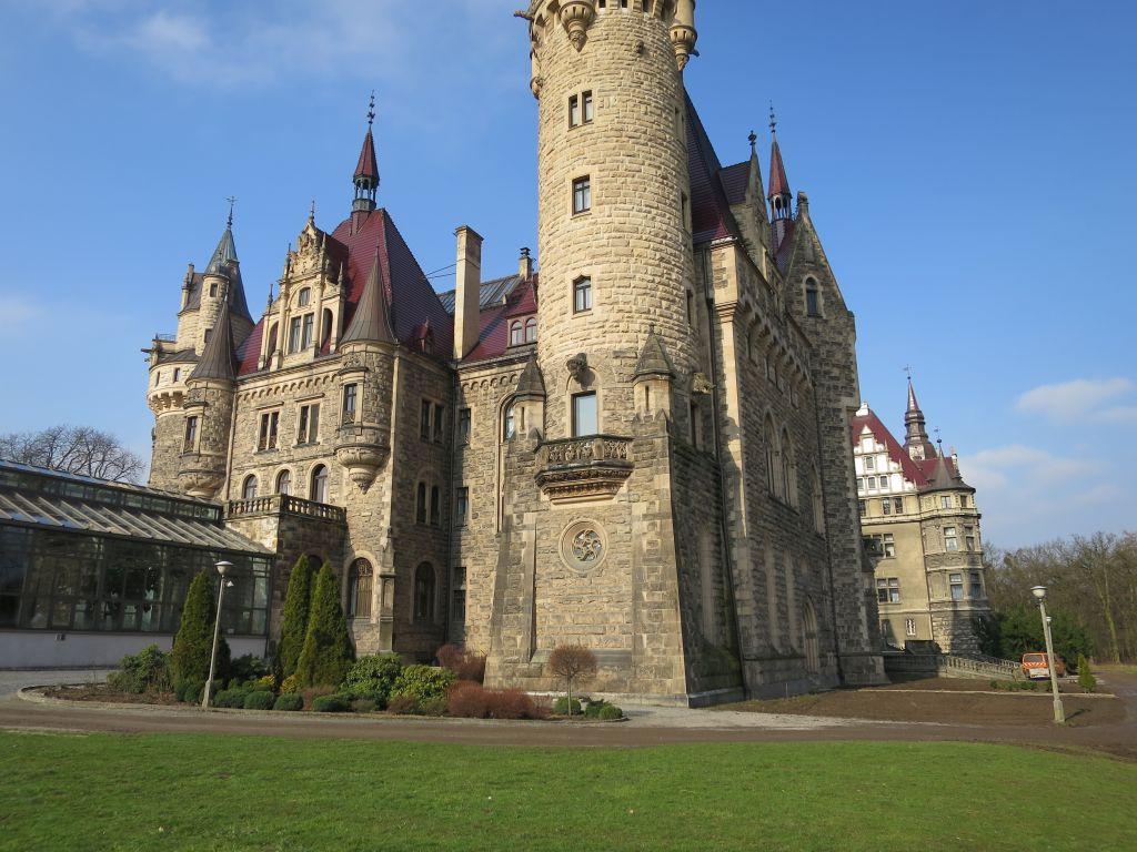 Zamek w Mosznej [ foto: Bogusław Kalisz/zamek Moszna/Karel Kremel ]