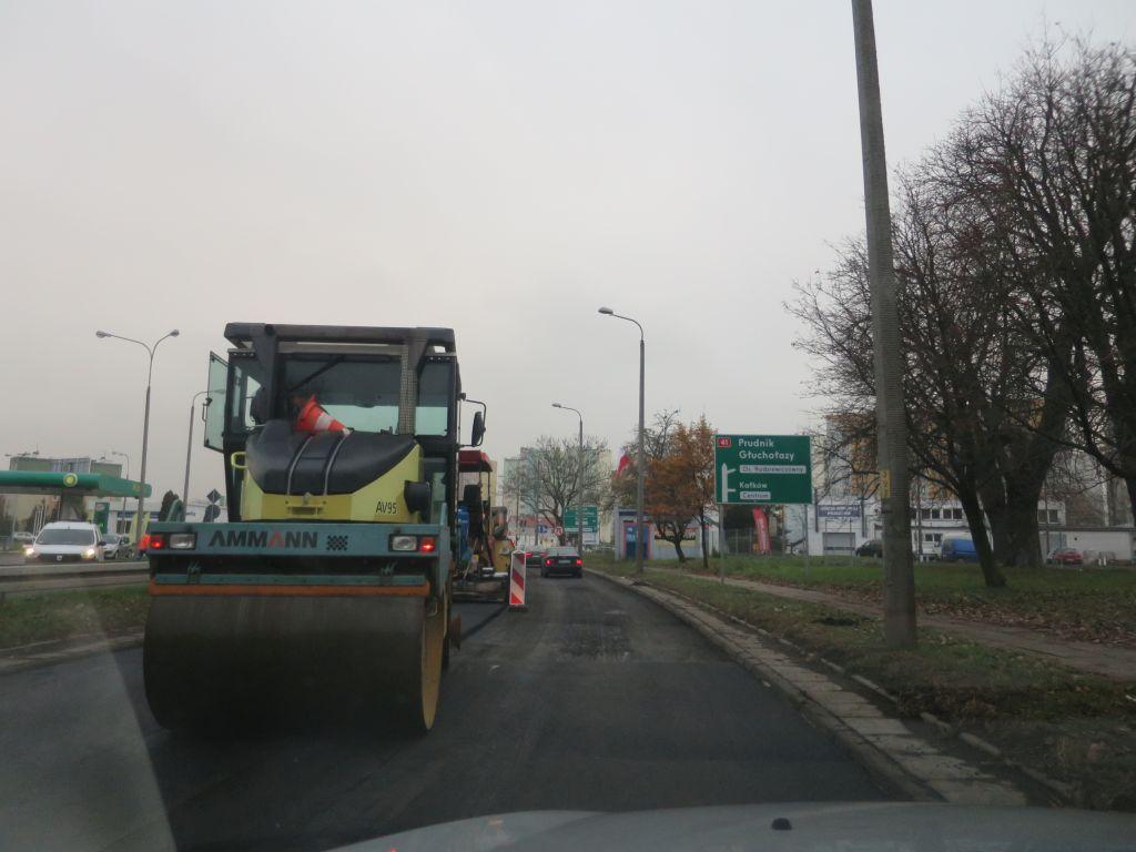 Spękania DK41 w Nysie sięgają miejscami 100. Opolska GDDKiA uzasadnia trwający remont drogi