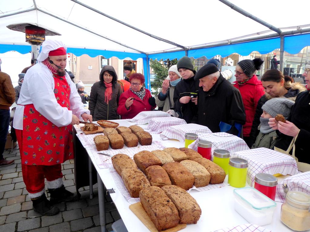Warsztaty pieczenia chleba [fot. Witold Wośtak]