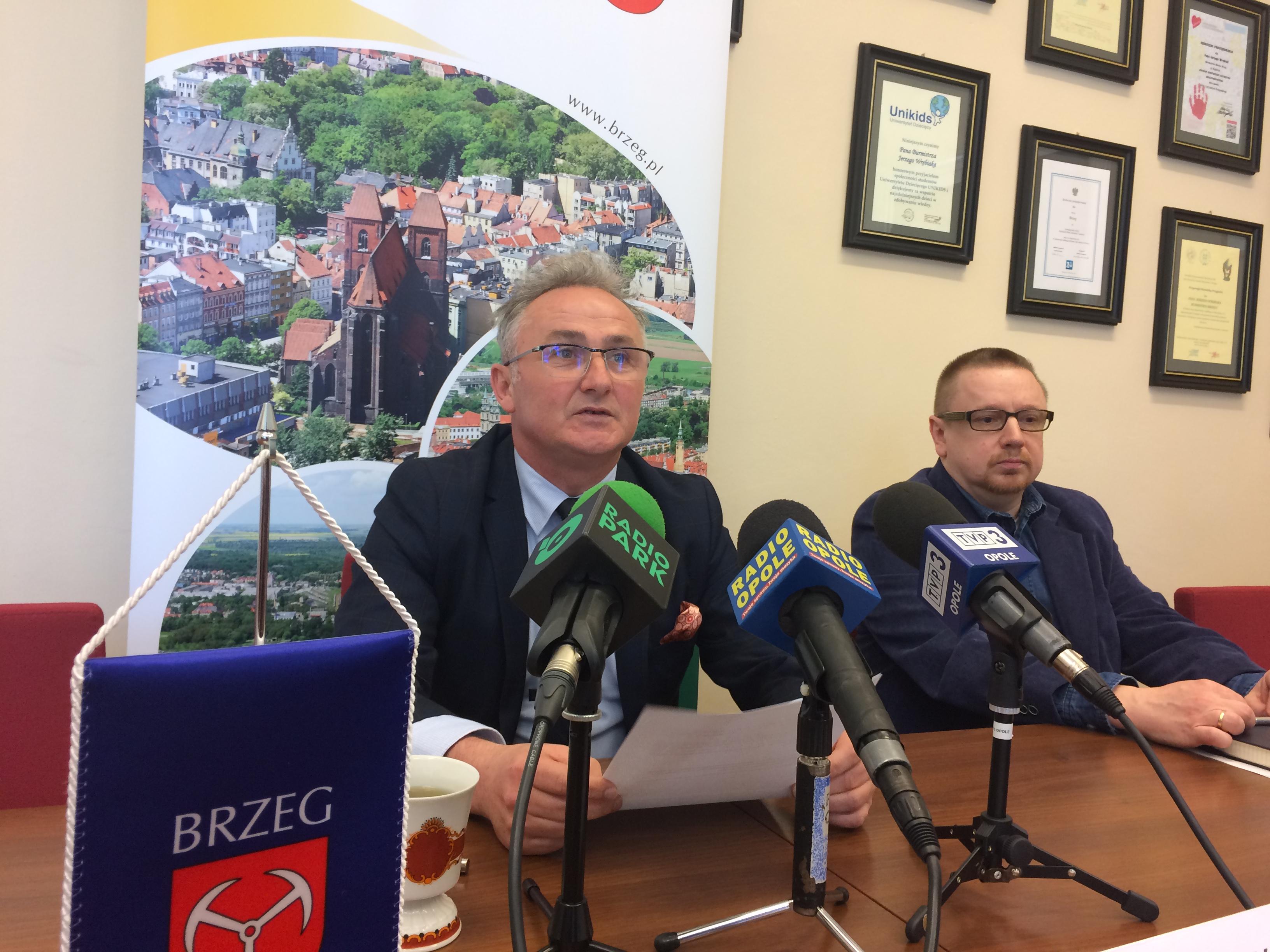 Jerzy Wrębiak na dzisiejszej konferencji przekazał najnowsze informacje dotyczące referendum [fot. Maciej Stępień]