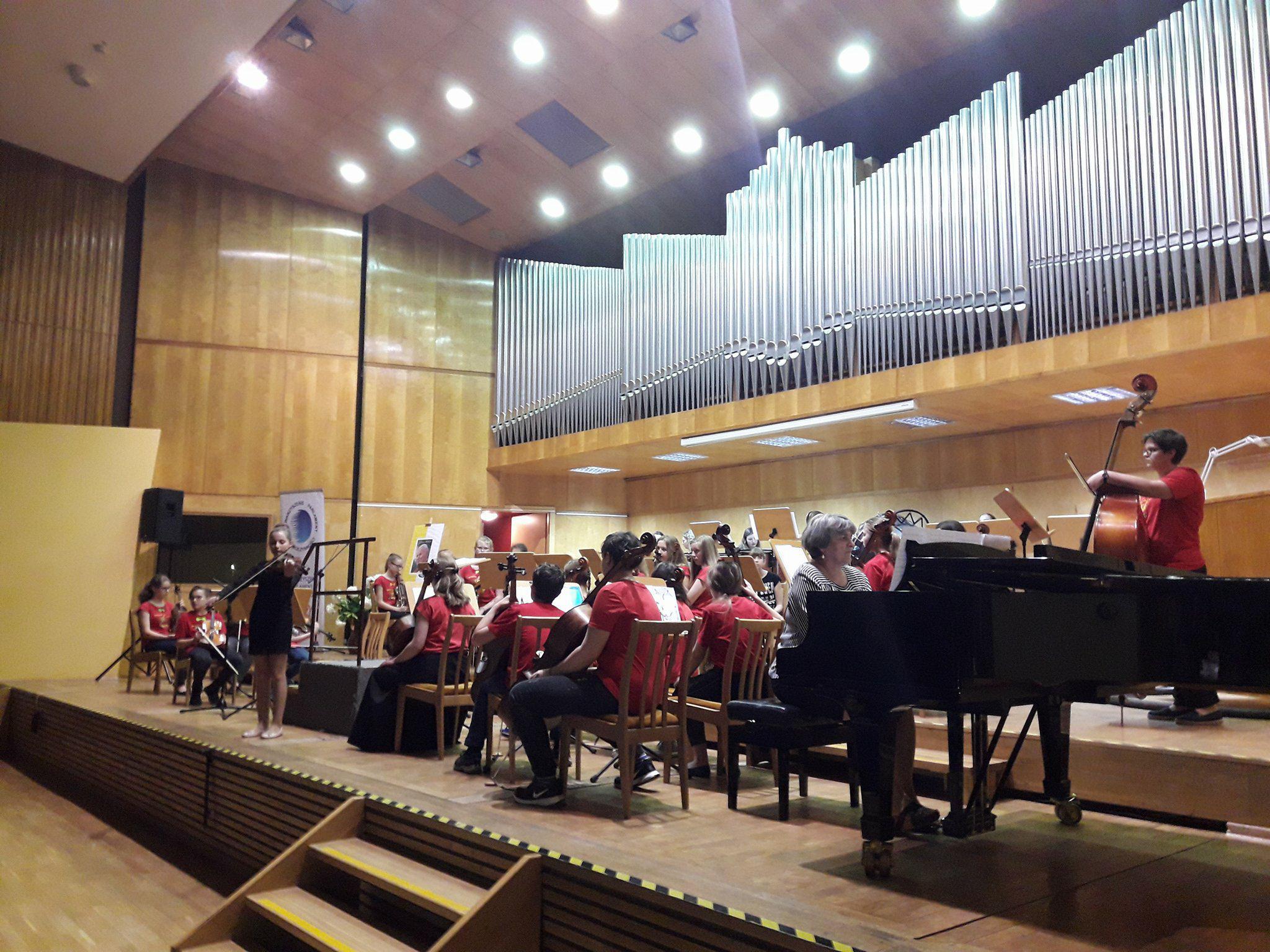 Zagrali koncert, by uczcić 98. rocznicę urodzin św. Jana Pawła II [fot. Wiktoria Palarczyk]
