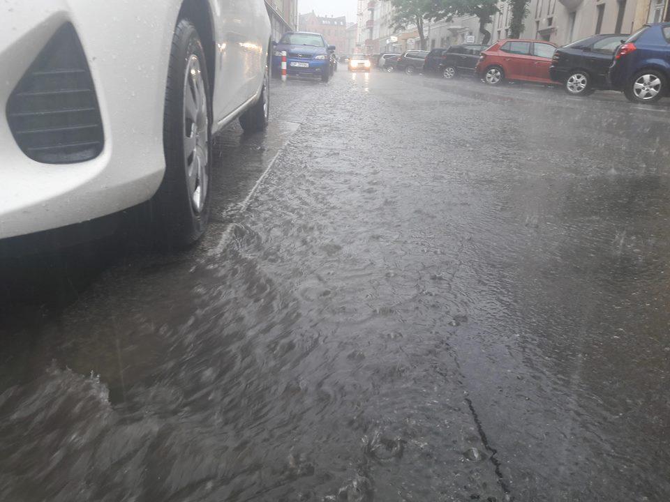 Intensywne opady deszczu w Opolu