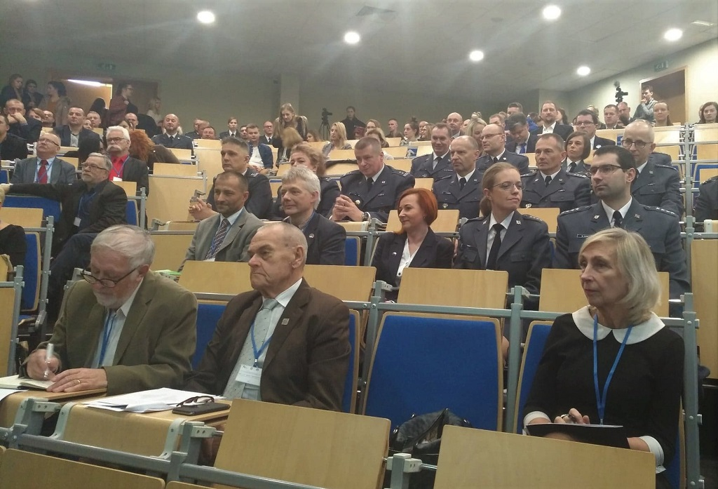 Pracownicy więziennictwa i naukowcy podsumowali 100 lat pracy penitencjarnej w niepodległej Polsce [fot. Katarzyna Doros]