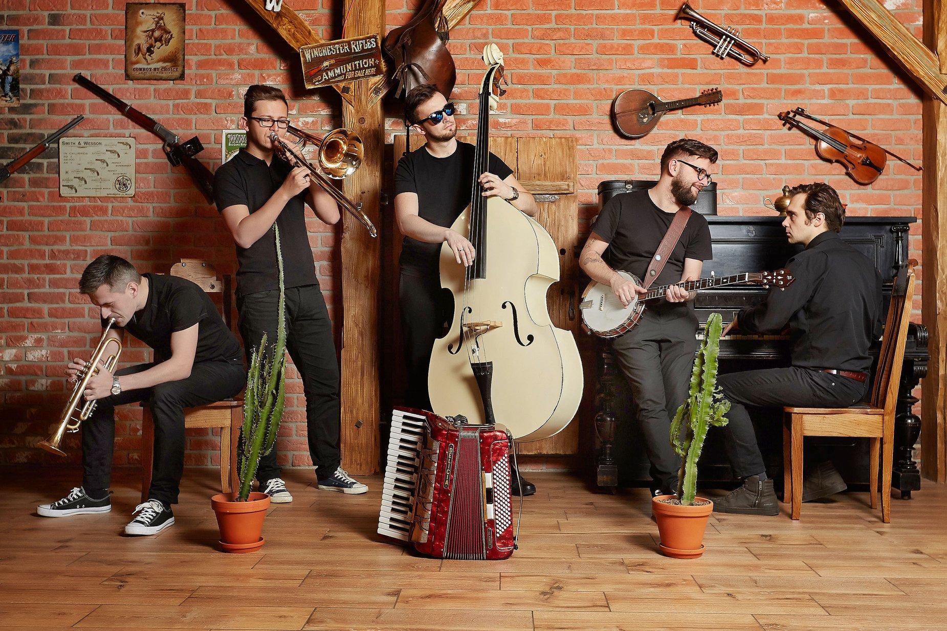 The Freeborn Brothers [fot. materiały zespołu, źródło: https://www.facebook.com/freebornbrothers/photos]