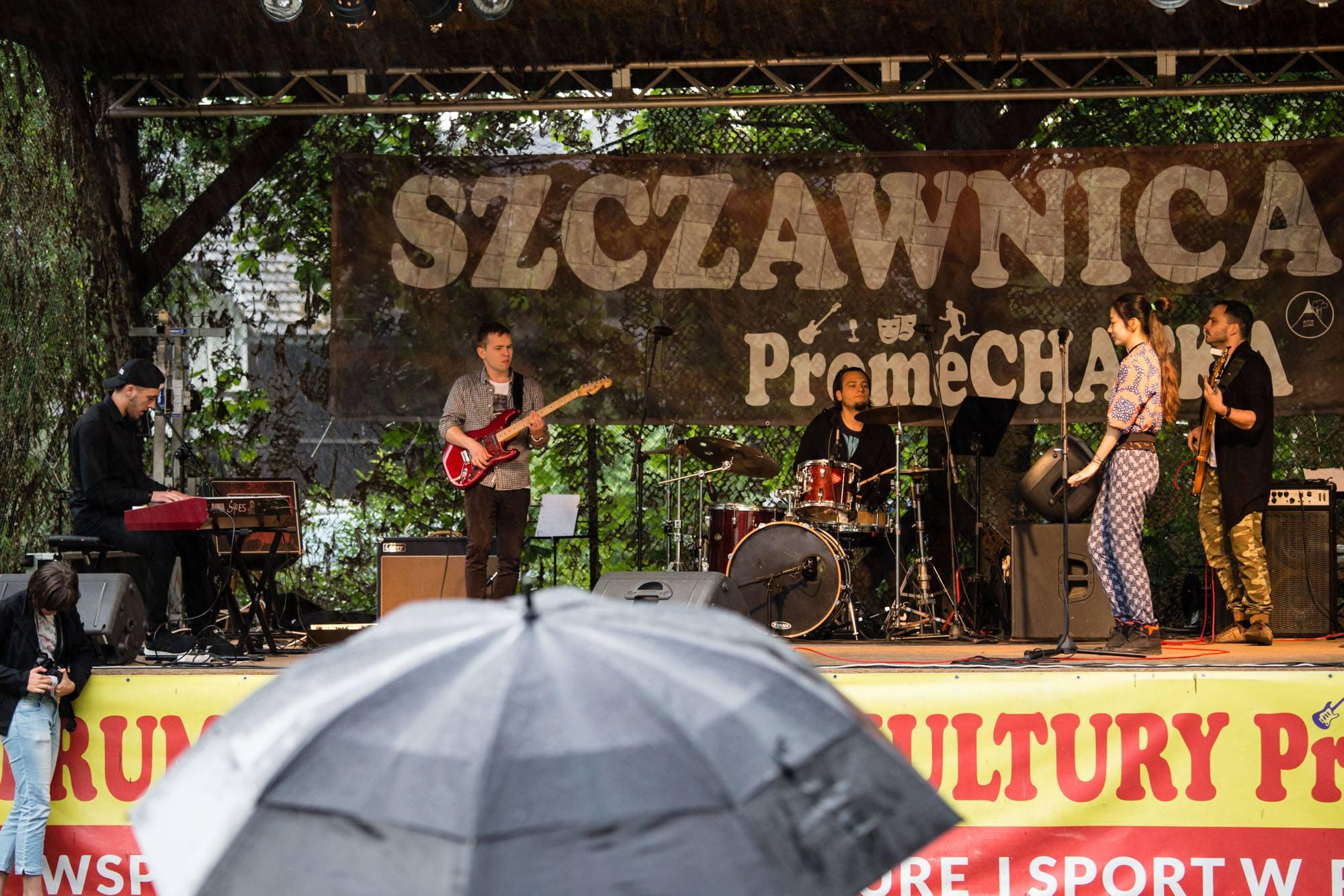 Tradycją jest, że kulminacją warsztatów jest koncert na dużej scenie dla mieszkańców Szczawnicy i odwiedzających ją turystów. W tym roku wydarzenie będziemy transmitować! [fot. Justyna Dziekanowska/Paweł Zdybel]