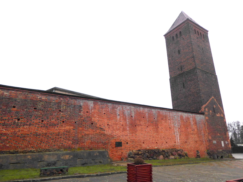 Mury obronne w Byczynie [fot. Witold Wośtak]