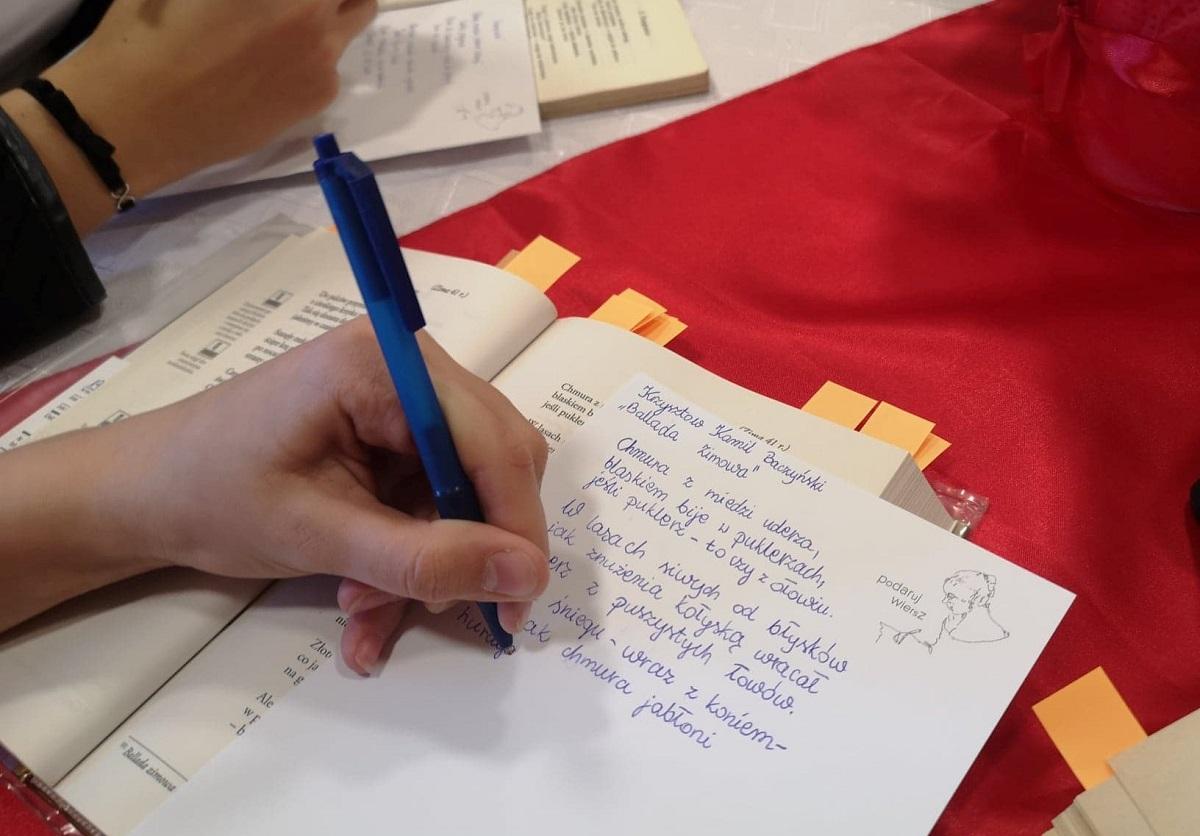 Młodzi Opolanie Przepisali Wiersze I Podarują Je W Prezencie