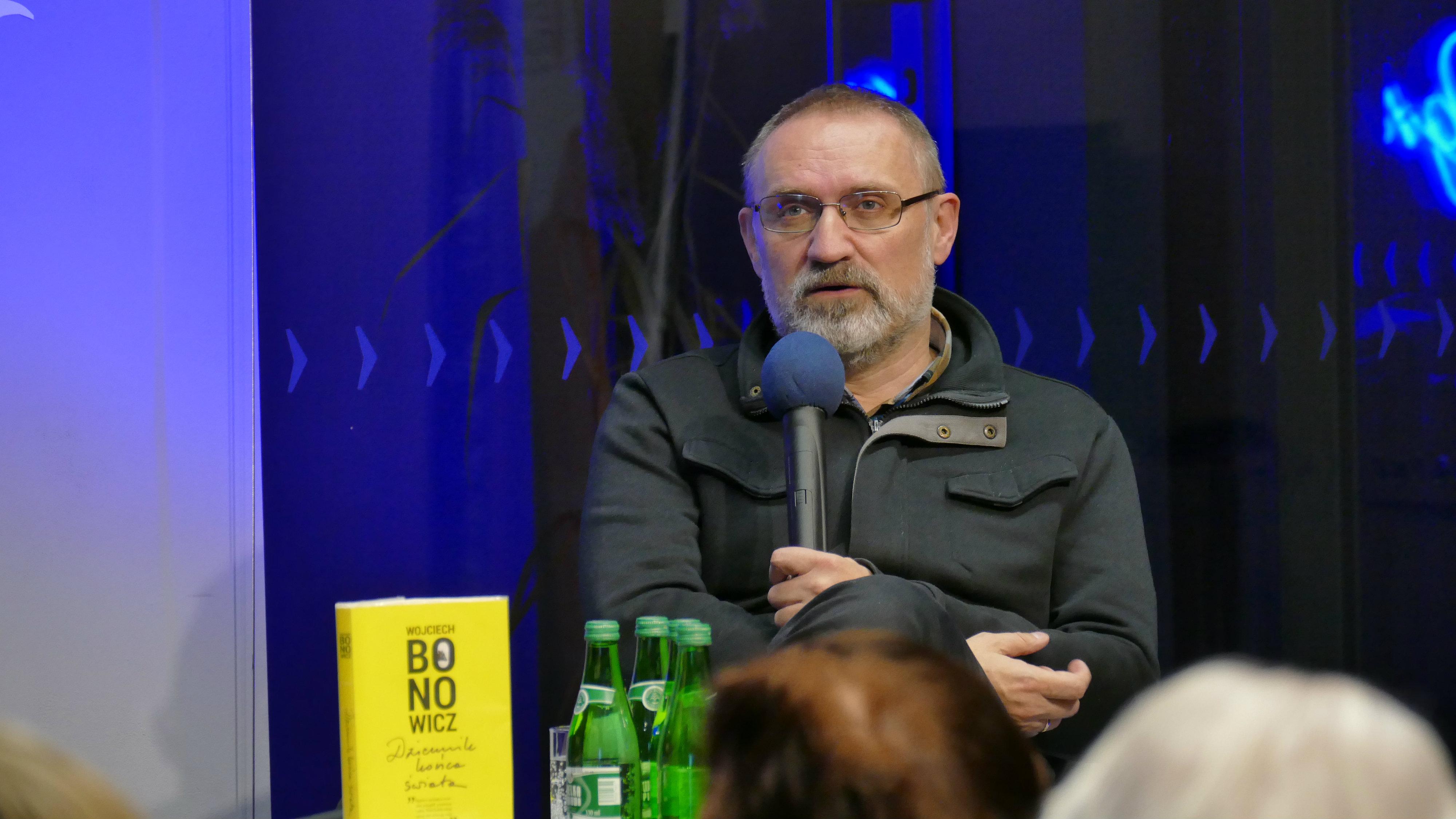 Spotkanie autorskie z Wojciechem Bonowiczem w MBP w Opolu © [fot. Małgorzata Ślusarczyk]
