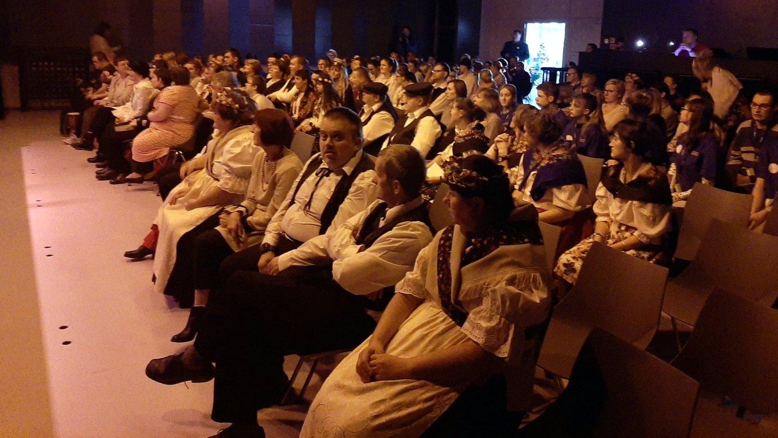 Na scenie NCPP w Opolu zaprezentowało się 150 wykonawców [fot. Mariusz Chałupnik]
