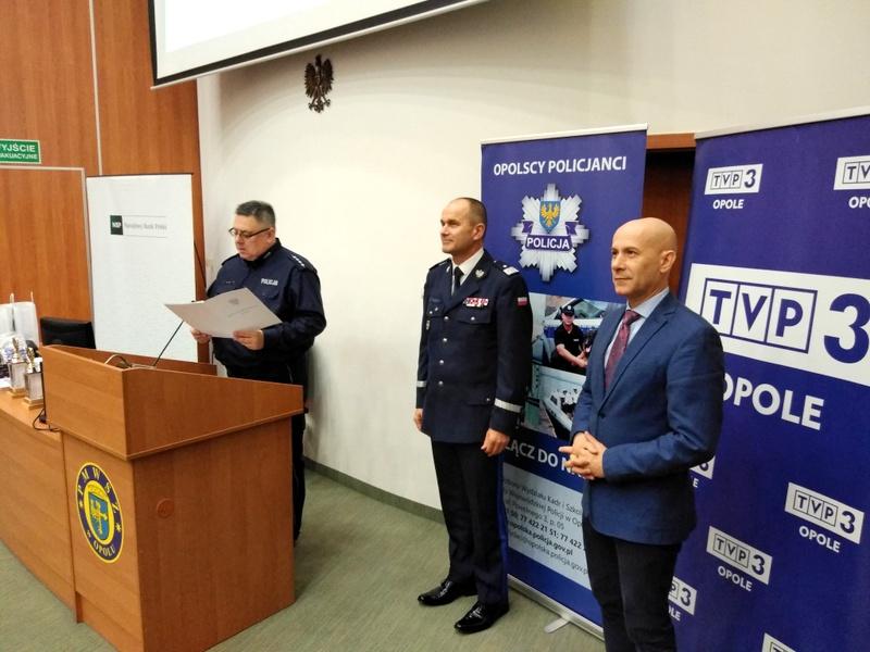 Uczniowie opolskich szkół ponadpodstawowych rywalizowali w konkursie wiedzy o policji. Było 40 pytań testowych