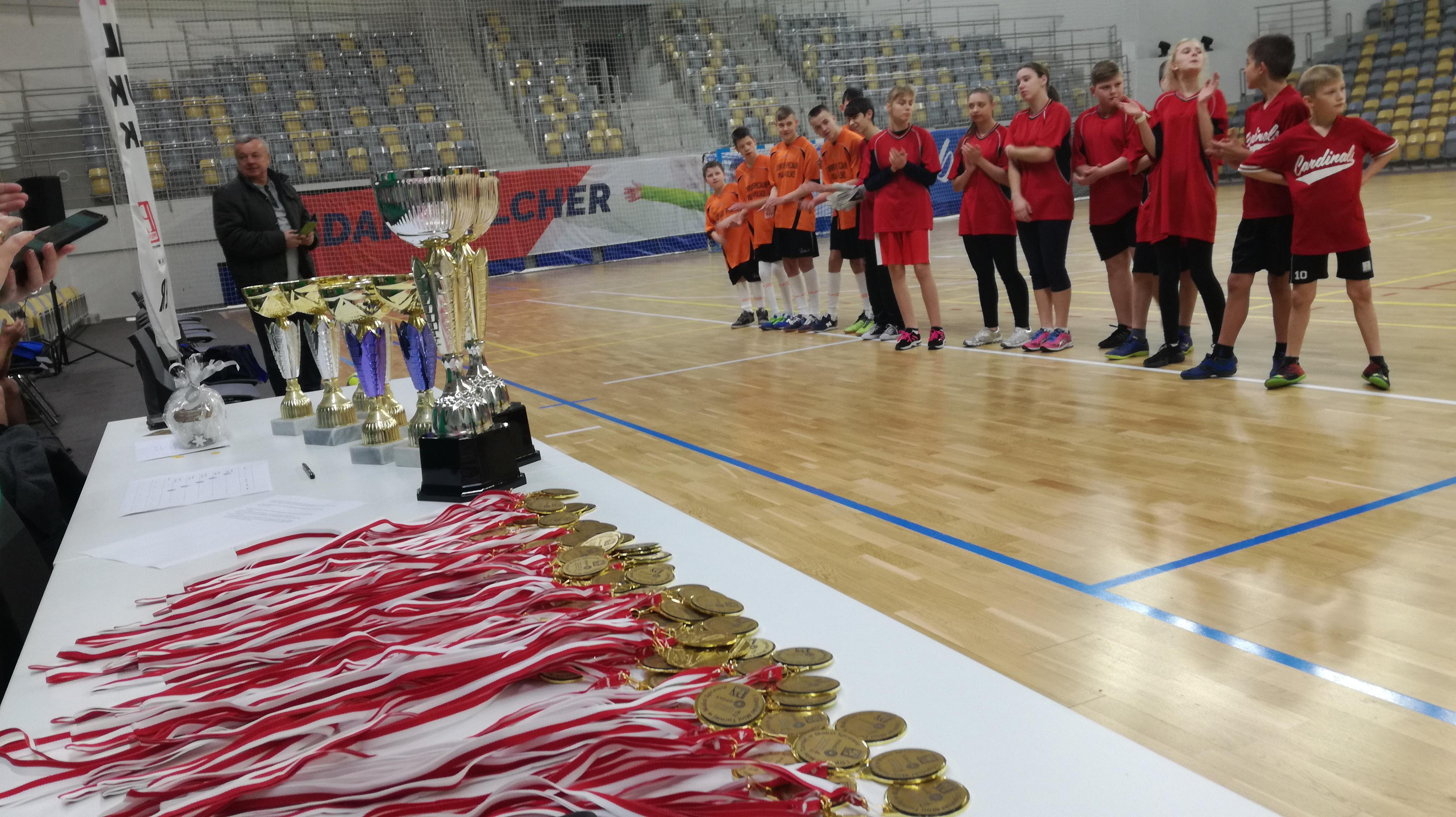 Opole: uczniowie szkół specjalnych zagrali w Stegu Arenie
