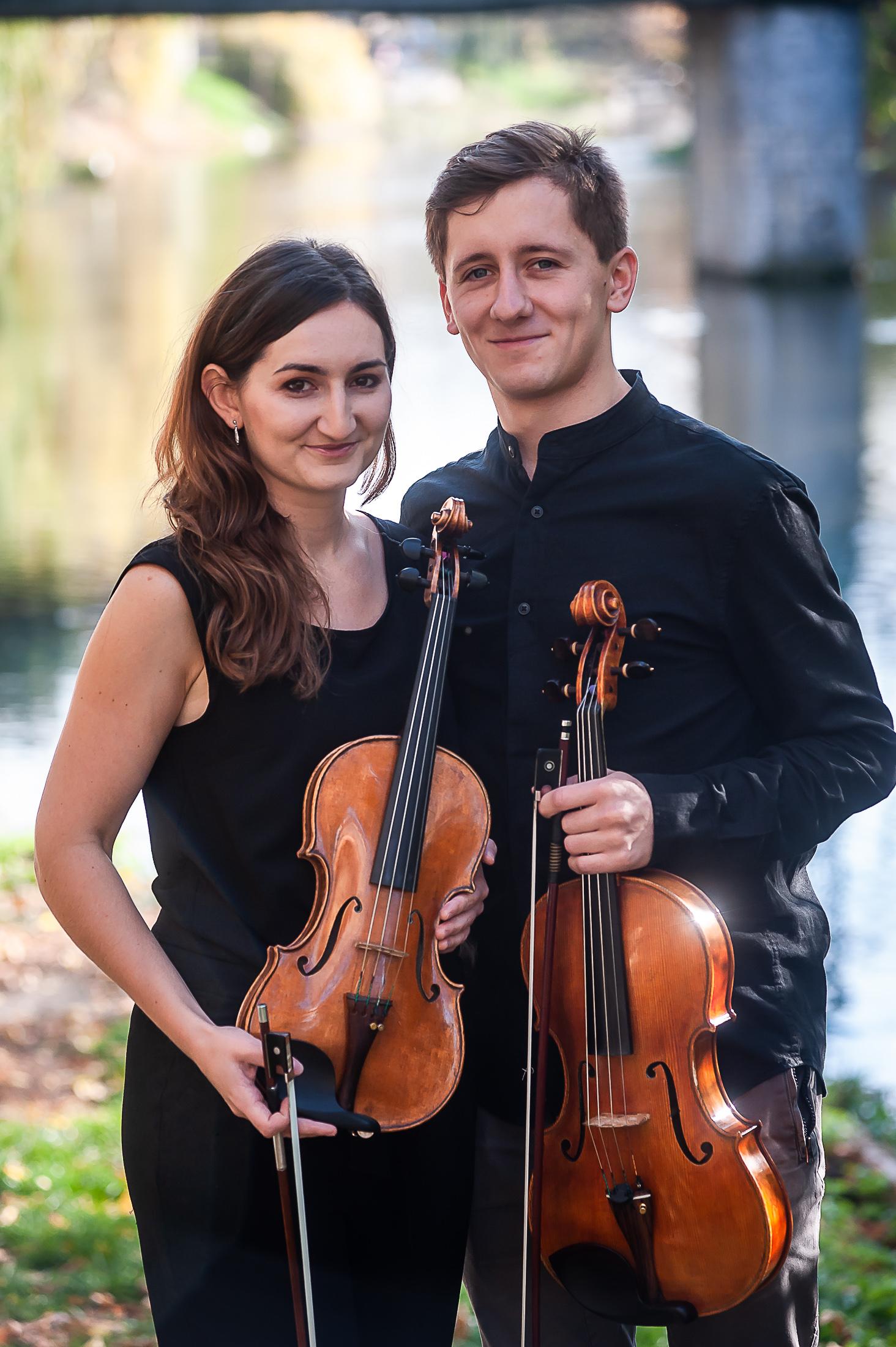 Karolina Koczur i Wojciech Koczur [fot. Michał Grocholski, zdjęcie nadesłane przez Filharmonię Opolską]