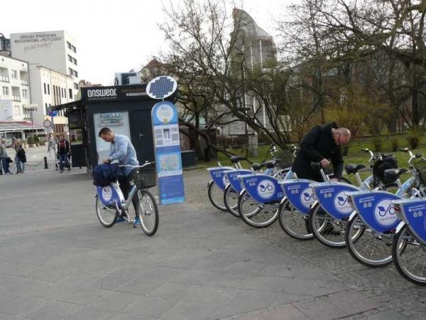 Rowery miejskie w Opolu funkcjonują, może przyjdzie czas na skutery [fot. J. Maćkowiak]