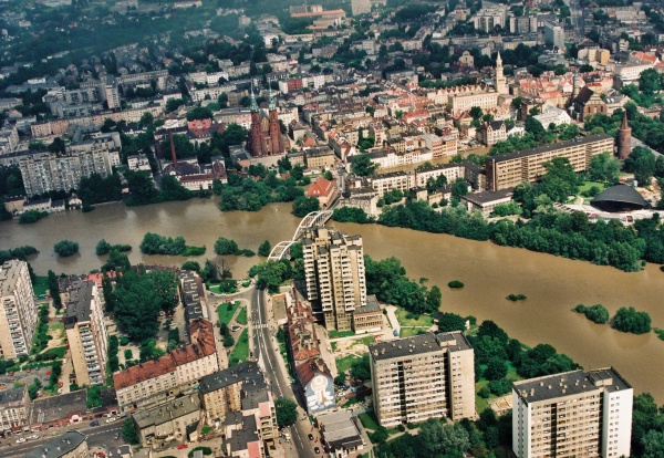 Opole, powódź 1997 r. © (fot. Źródło zdjęć: Regionalny Zarząd Gospodarki Wodnej we Wrocławiu)