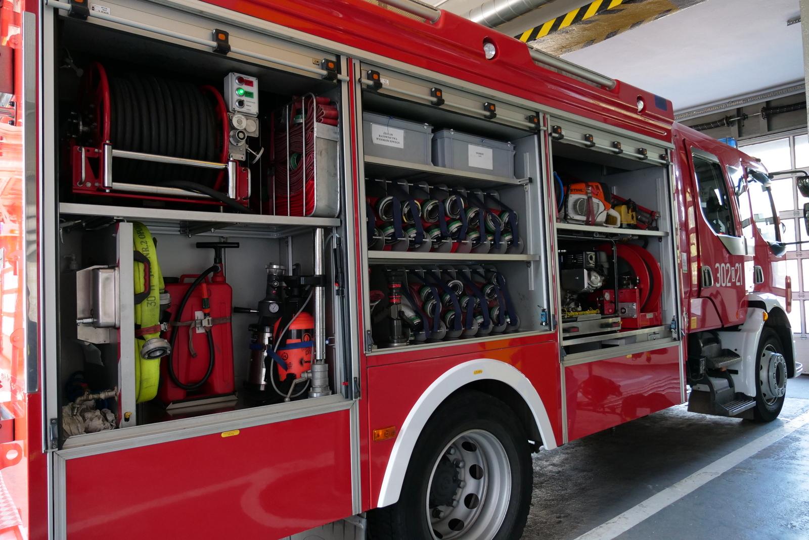 Strażacy walczyli z pożarem budynku mieszkalnego przy ulicy Strzeleckiej w Opolu. Nie ma osób rannych