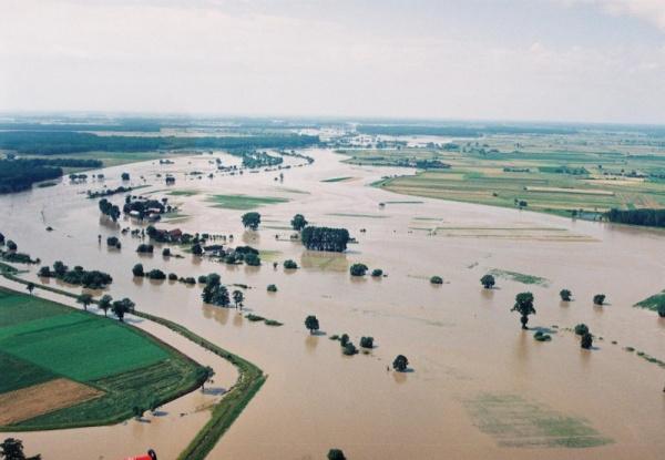 Opole i okolice, powódź 1997 © (fot. Źródło zdjęć: Regionalny Zarząd Gospodarki Wodnej we Wrocławiu)