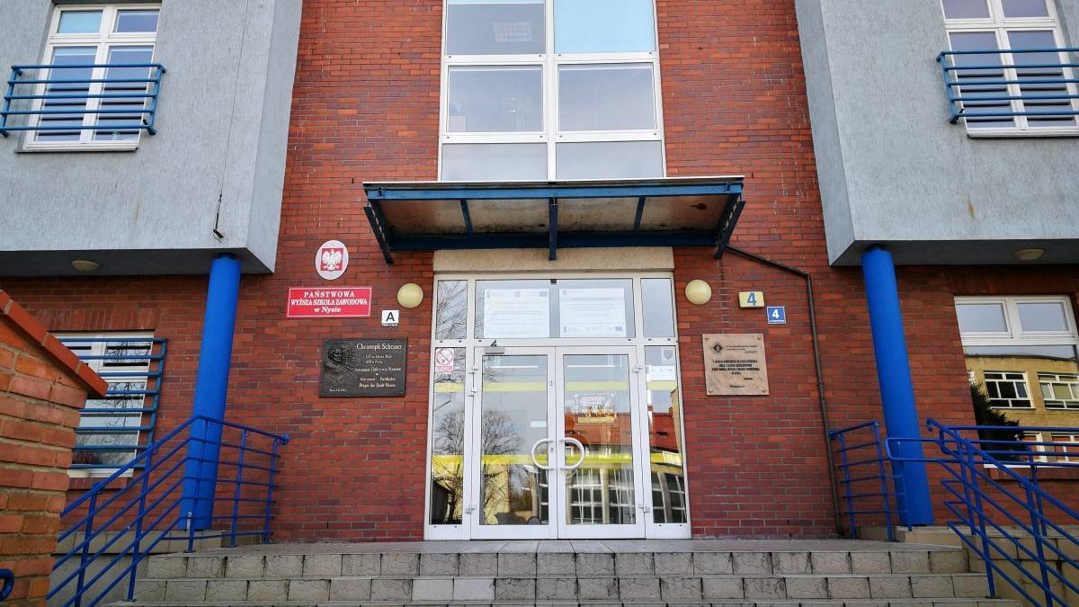 Rekordowe pieniądze na wymianę międzynarodową w nyskiej uczelni. Z Erasmusa skorzystają też studenci z Opola