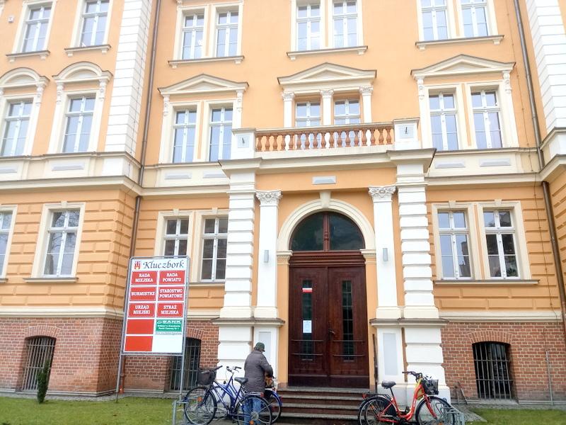 Urząd Miejski i Starostwo Powiatowe w Kluczborku [fot. Witold Wośtak]