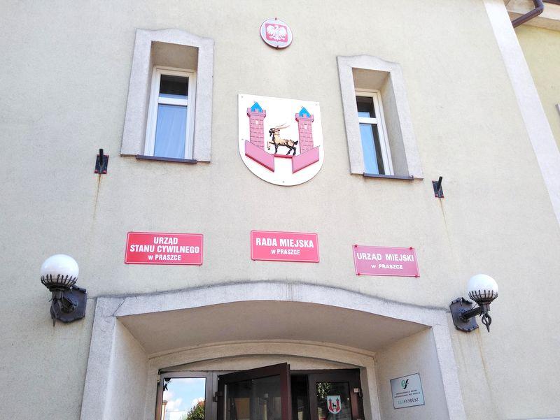 Urząd Miejski w Praszce [fot. Witold Wośtak]